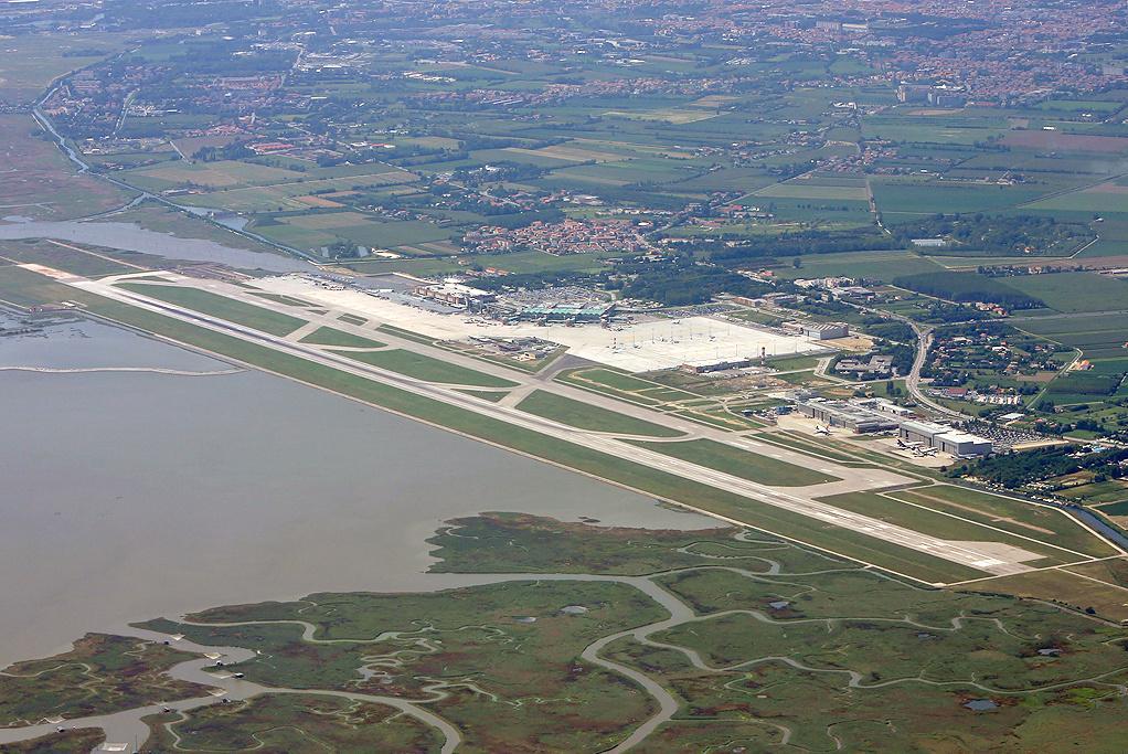 aeroporto_di_venezia_-_vue_aerienne